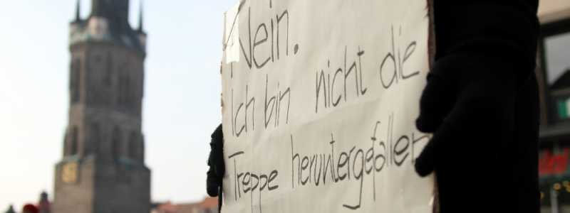 Bild: Demonstrantin gegen Gewalt an Frauen, über dts Nachrichtenagentur