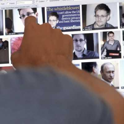 Bild: Mediennutzer betrachtet das Ergebnis der Google-Bildersuche zu Edward Snowden, über dts Nachrichtenagentur