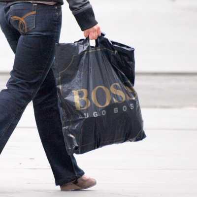 Bild: Frau mit Einkaufstasche, über dts Nachrichtenagentur