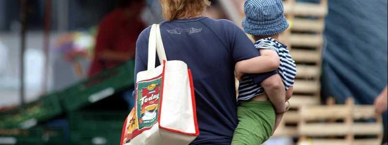 Bild: Frau mit Kind, über dts Nachrichtenagentur
