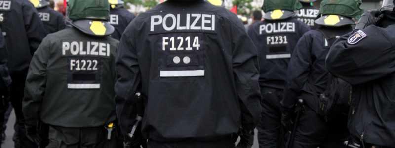 Bild: Polizei bei einer Demo, über dts Nachrichtenagentur