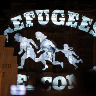 Bild: Refugees welcome-Logo auf der Semperoper, über dts Nachrichtenagentur