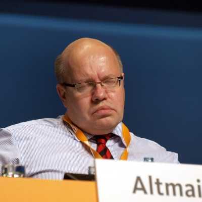 Bild: Peter Altmaier mit geschlossenen Augen, über dts Nachrichtenagentur