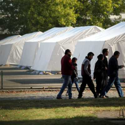 Bild: Flüchtlinge in einer Zeltstadt, über dts Nachrichtenagentur