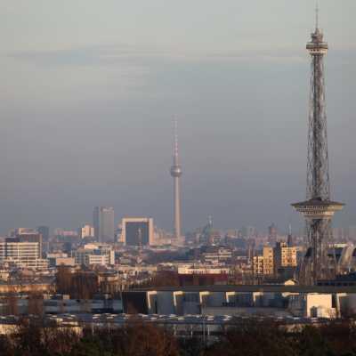 Bild: Berliner Funkturm und Fernsehturm, über dts Nachrichtenagentur