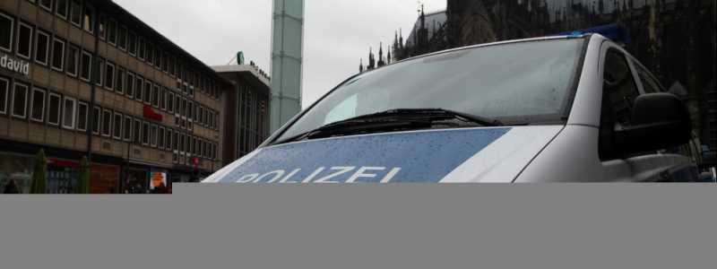 Bild: Polizeiauto vor Kölner Dom und Hauptbahnhof, über dts Nachrichtenagentur