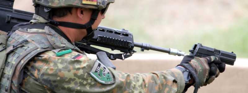 Bild: Bundeswehr-Soldat mit Pistole, über dts Nachrichtenagentur