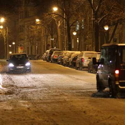 Bild: Schneebedeckte Straße, über dts Nachrichtenagentur