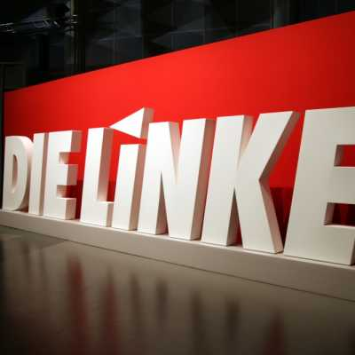 Bild: Linkspartei-Logo auf Parteitag, über dts Nachrichtenagentur