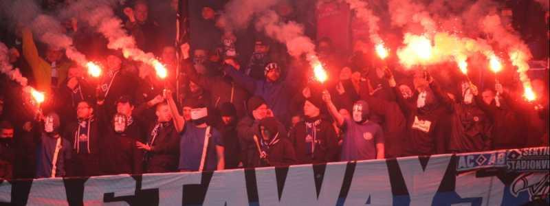 Bild: HSV-Fans mit Pyrotechnik, über dts Nachrichtenagentur