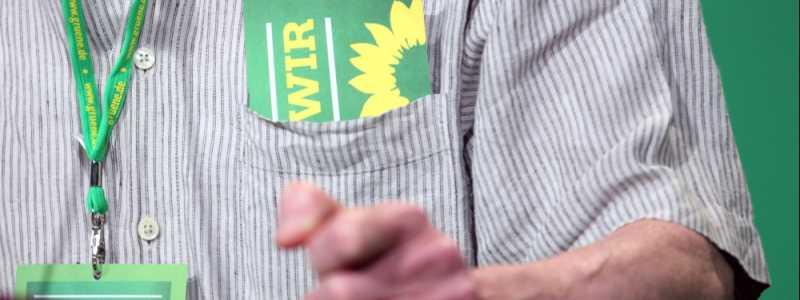 Bild: Delegierter hält Rede auf Grünen-Parteitag, über dts Nachrichtenagentur