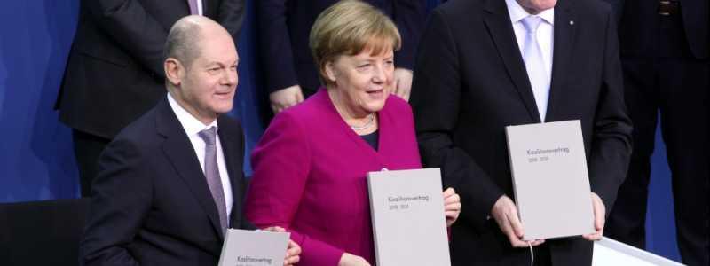 Bild: Scholz, Merkel und Seehofer mit Koalitionsvertrag 2018-2021, über dts Nachrichtenagentur