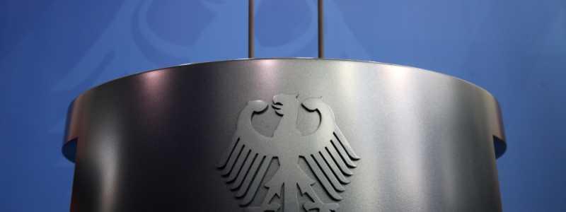 Bild: Rednerpult im Bundeskanzleramt, über dts Nachrichtenagentur