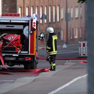 Bild: Feuerwehr Halle im Einsatz beim Brand Alter Schlachthof, über dts Nachrichtenagentur