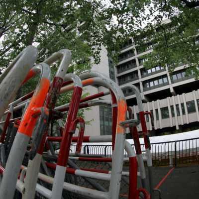 Bild: Absperrgitter vor dem Strafjustizzentrum München, über dts Nachrichtenagentur