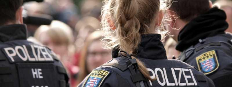 Bild: Polizei bei Protesten in Chemnitz, über dts Nachrichtenagentur