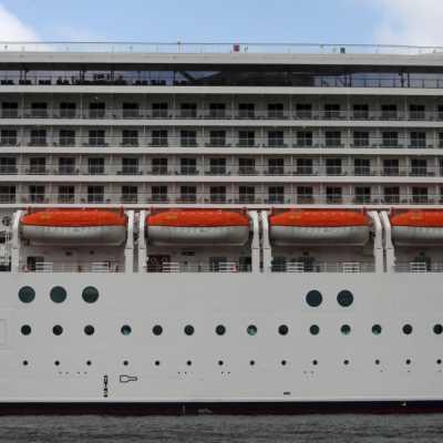 Bild: Kreuzfahrtschiff mit Rettungsbooten, über dts Nachrichtenagentur