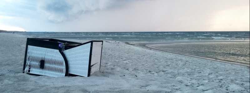 Bild: Umgekippter Strandkorb, über dts Nachrichtenagentur