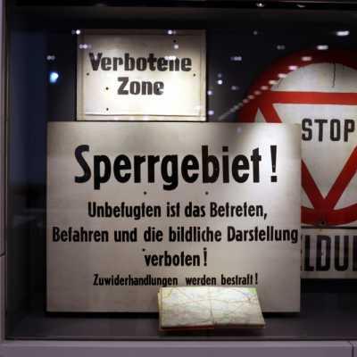 Bild: DDR-Verbotsschilder, über dts Nachrichtenagentur