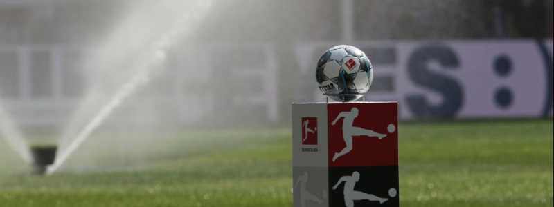 Bild: Bundesliga-Fußball vor dem Anstoß, über dts Nachrichtenagentur