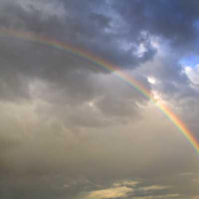 Bild: Regenbogen, iStockphoto.com / LordRunar