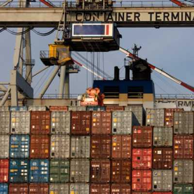 Bild: Frachtcontainer, Fotolia.com / Sven Hoppe