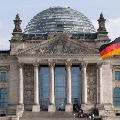 Bild: Reichstag, iStockphoto.com / Ziutograf