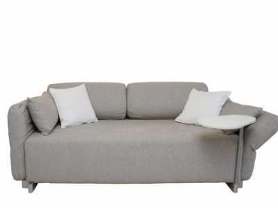 Abbildung 8: Eine Schlafcouch lässt sich mit wenigen Handgriffen vom Sitzmöbel in eine Schlafstätte umbauen.