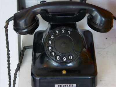 Telefon aus den 1940er Jahren.