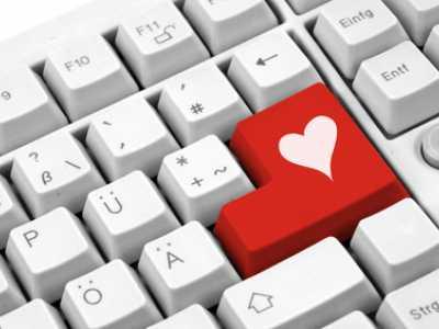 Viele suchen ihr Glück in der Liebe mittlerweile im Internet.