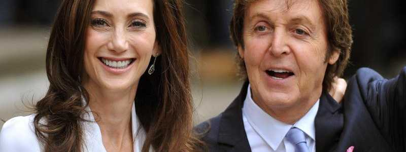 Paul McCartney & Nancy Shevell - Foto: Sir Paul McCartney und Nancy Shevell heiraten am 9. Oktober 2011 in London. Foto: John Stilwell